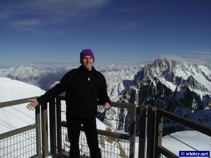 Andrew at Aiguille du Midi (3842m), Mt. Blanc, France.  It was -10°C up there! (十一月 1)