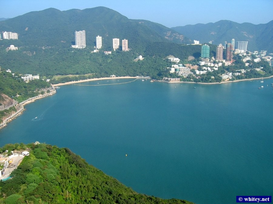 Deep Water Bay as seen from the Ocean Park cable car, Hong Kong.  深水灣.