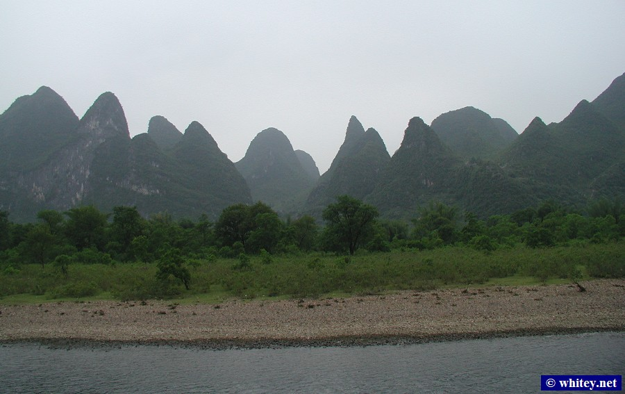 Karst Mountains, Li River, Guilin to Yangshuo river cruise, China.  漓江.