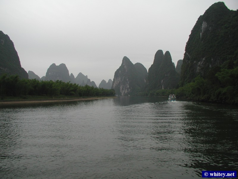 Li River, Guilin to Yangshuo river cruise, China.  漓江, 桂林 - 阳朔.