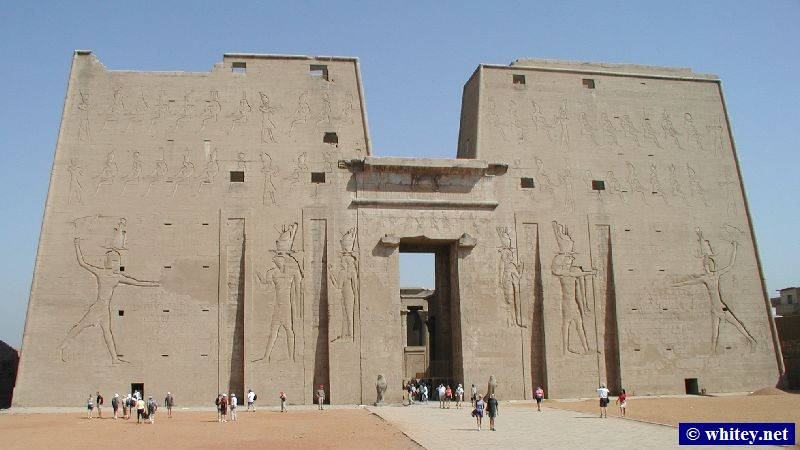 The temple at Edfu, Southern Египет. This entrance wall is 79m wide and 36m high.   إدفو