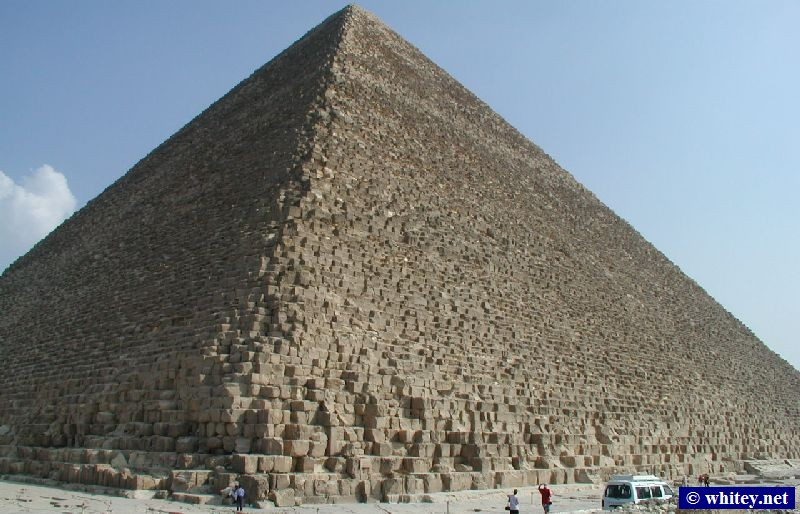 Pyramide de Khéops, 146m high, Built from over 2 million blocks, Northern Égypte.   أهرامات الجيزة