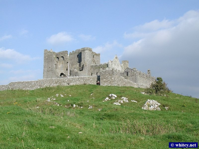 Скала Кашэл, County Tipperary, Ирландия, c.1100AD. Reputed to be the site of the conversion of the King of Munster to Catholicism by St. Patrick in the 5th century A.D.