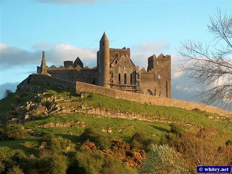 Rock of Cashel, 爱尔兰. (Courtesy of Maria at Watties B&B.)