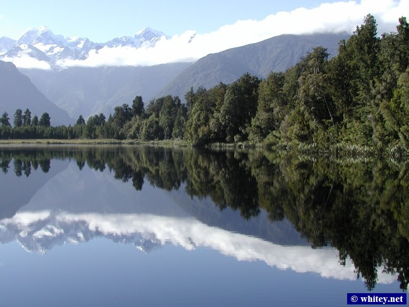 Lake Matheson, 남섬, 뉴질랜드 – Mirror-like water with views of Mount Cook (Aoraki) and Mount Tasman (Rarakiora).