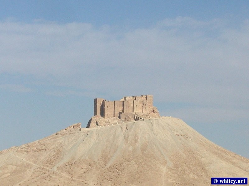 Fakhr-al-Din al-Maani Castle, as seen from Palmira, Síria.